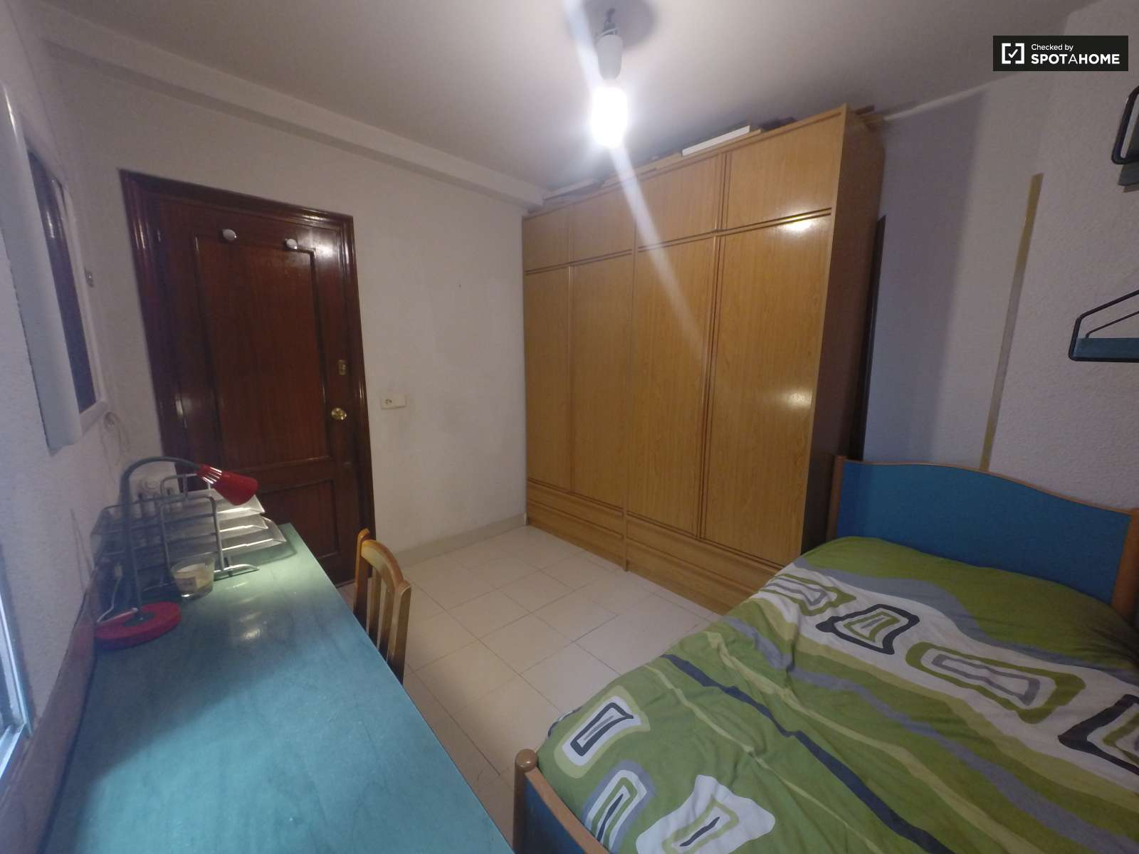 Single Bed Bedroom Single Bed In Bedrooms For Rent With Metro Access Across The