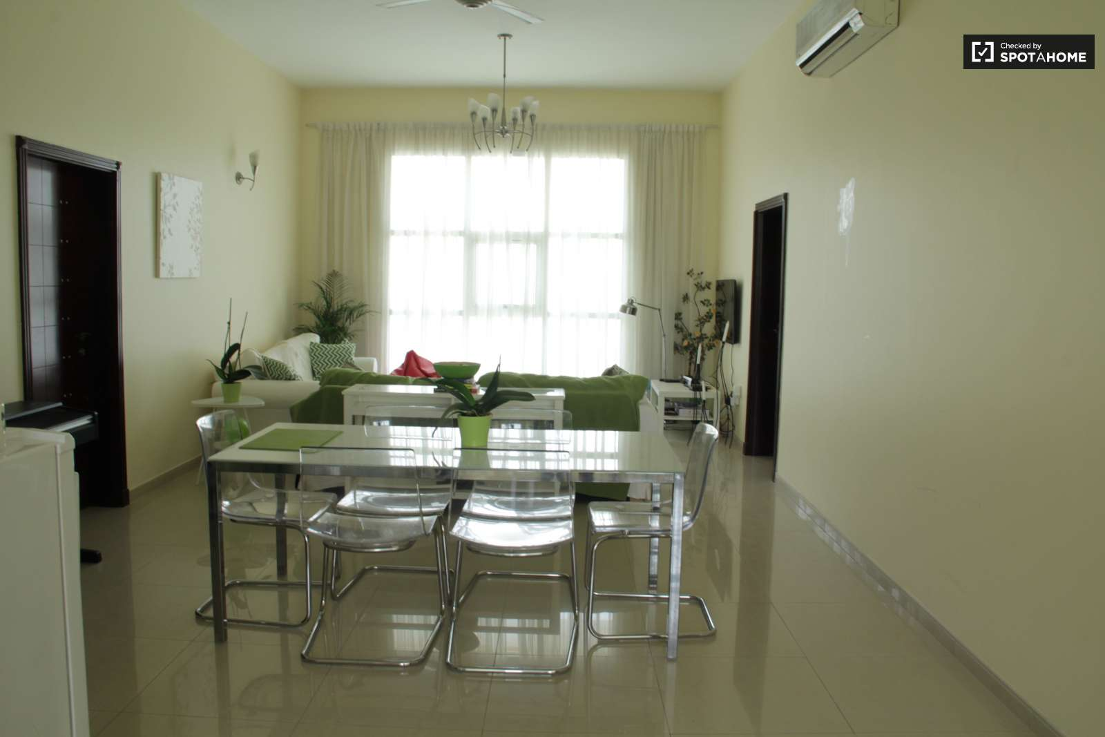Ample Room In Shared Apartment Al Manara Dubai Ref 112518