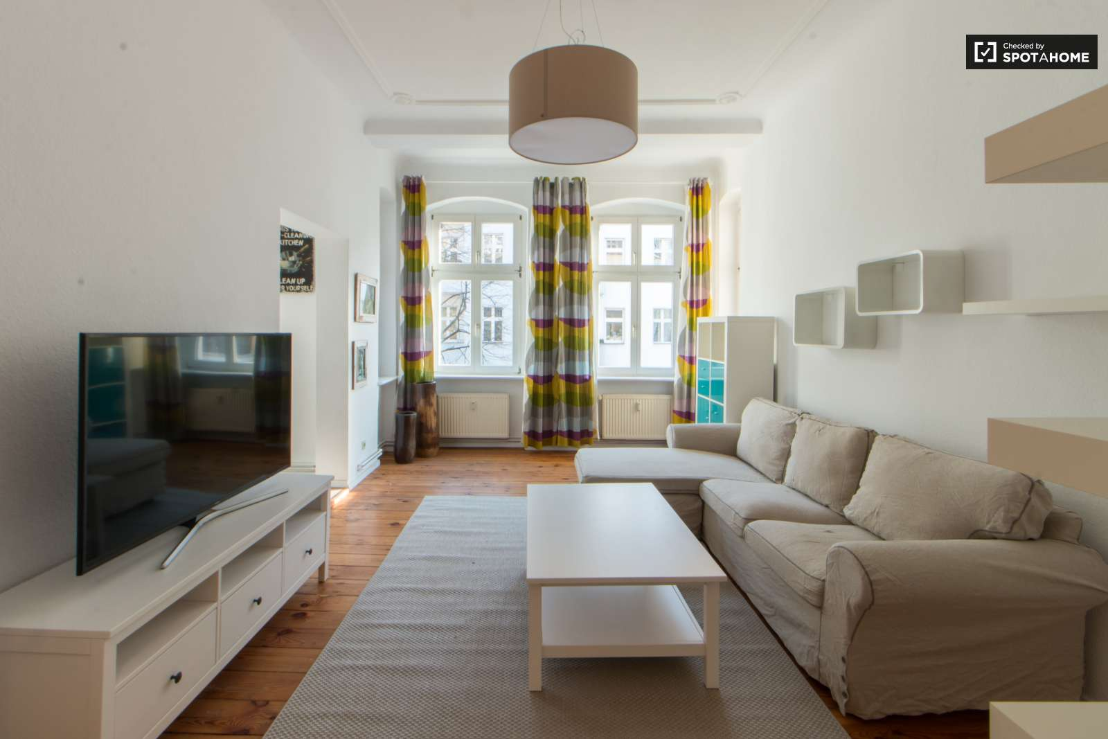 Cool 1-bedroom apartment for rent close to nightclubs in Friedrichshain