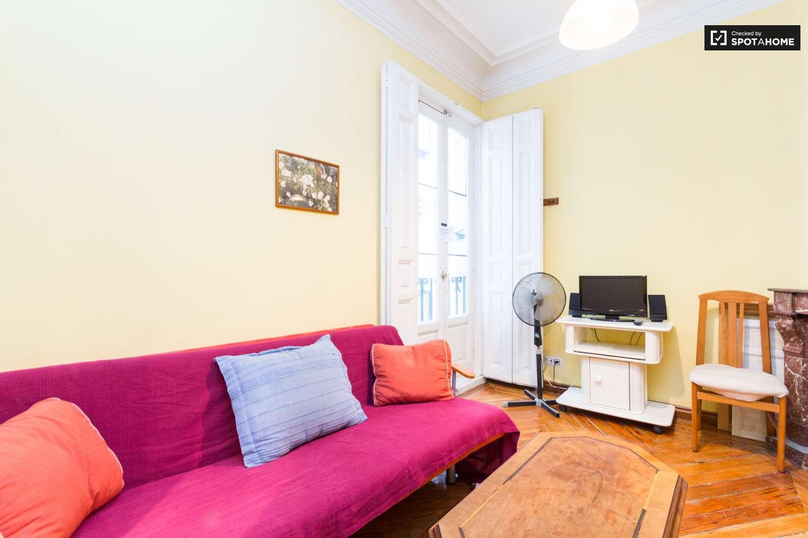 Habitaciones en alquiler en piso de 4 habitaciones centro for Habitaciones en alquiler