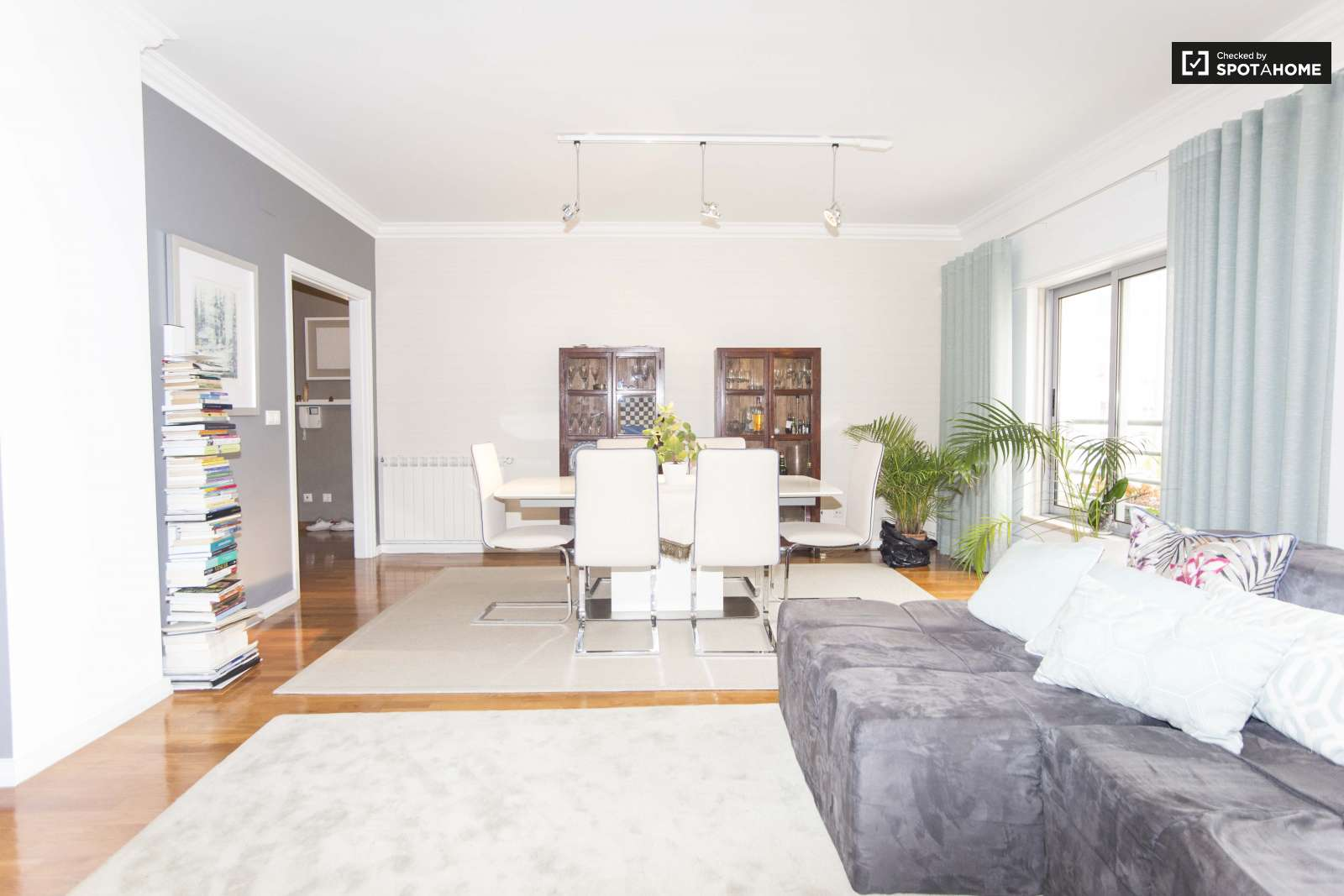 Gorgeous 3-bedroom apartment for rent in Lumiar | Flat ...