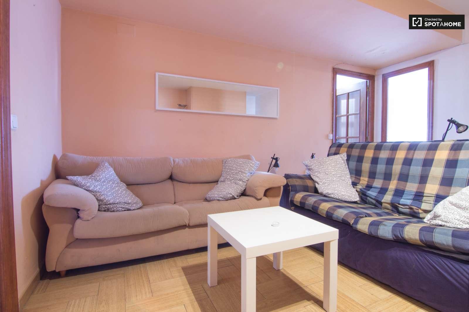 Habitaciones en alquiler en piso con balc n en algir s for Alquiler piso algiros valencia