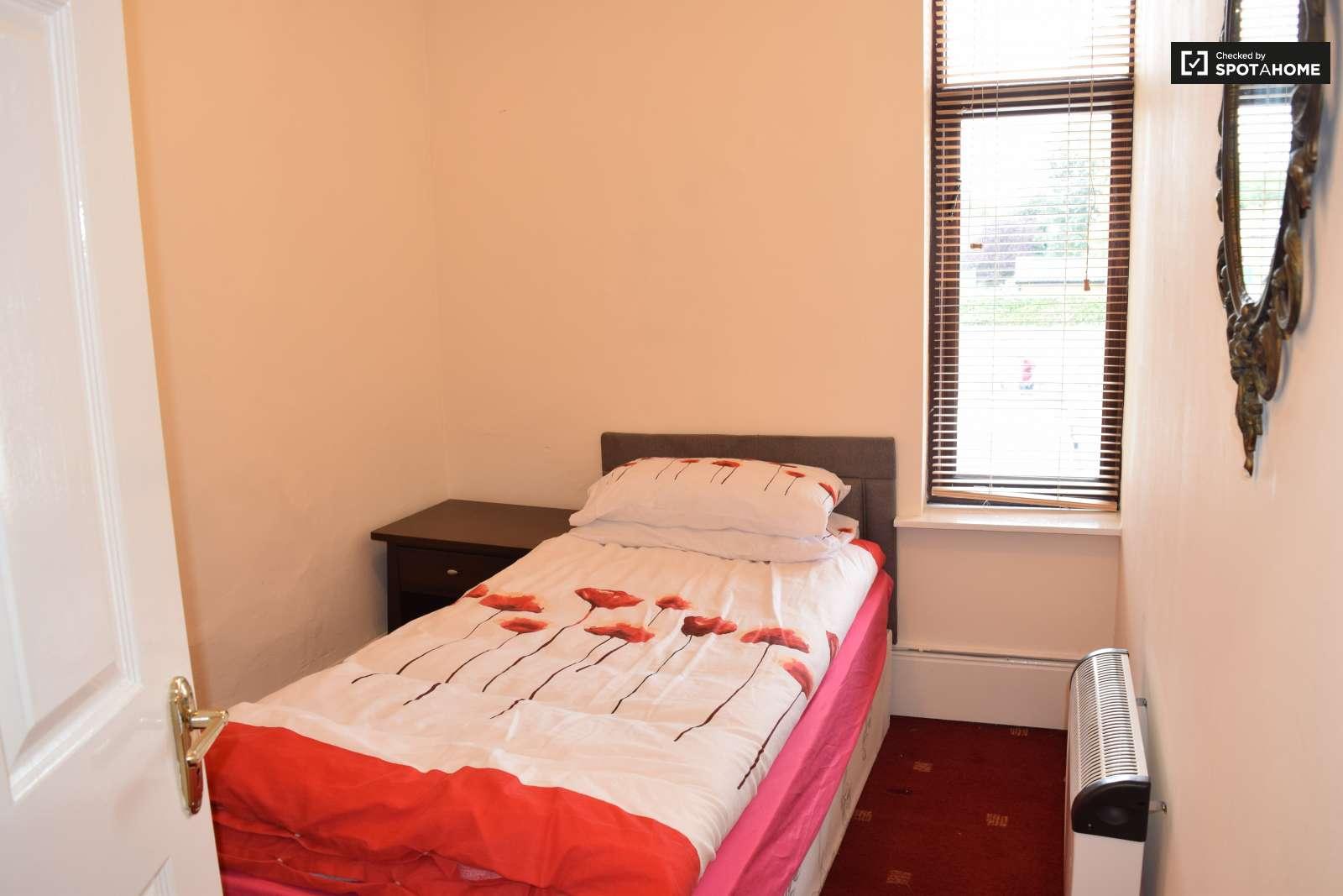 Pics Of Bedroom Rooms To Rent In 3 Bedroom House In Stoneybatter In Dublin Spotahome