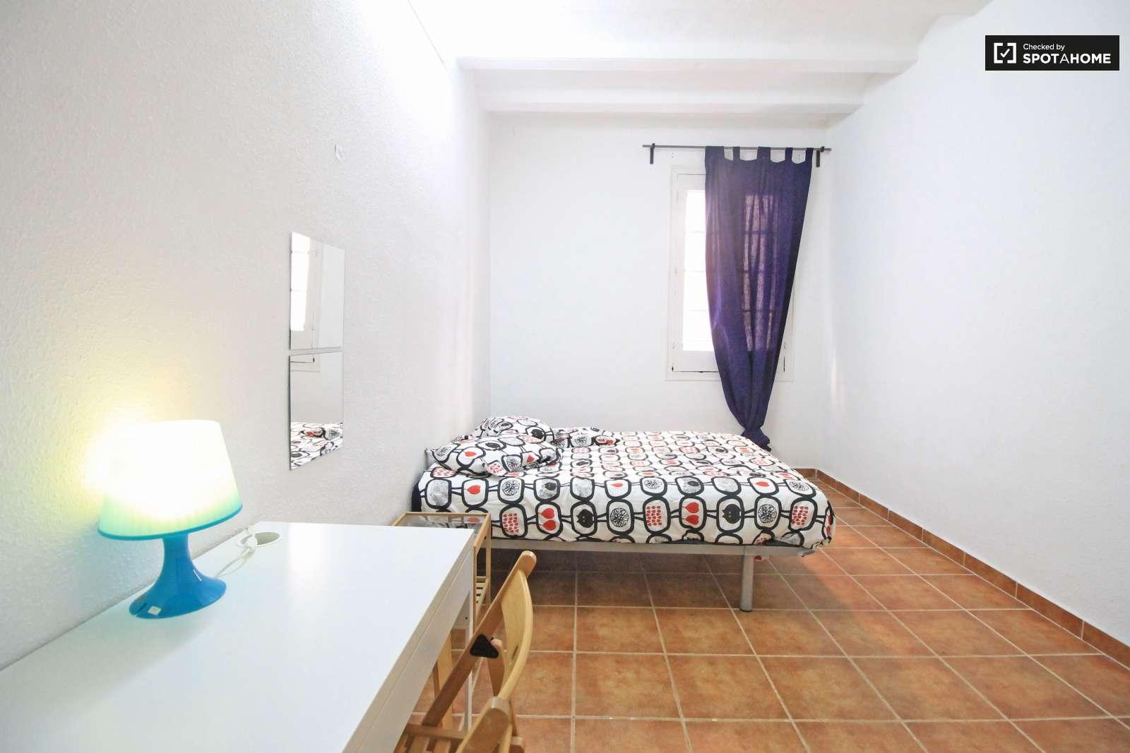 Habitaciones En Alquiler En Piso De 3 Habitaciones En El Raval  # Hada Muebles Barcelona