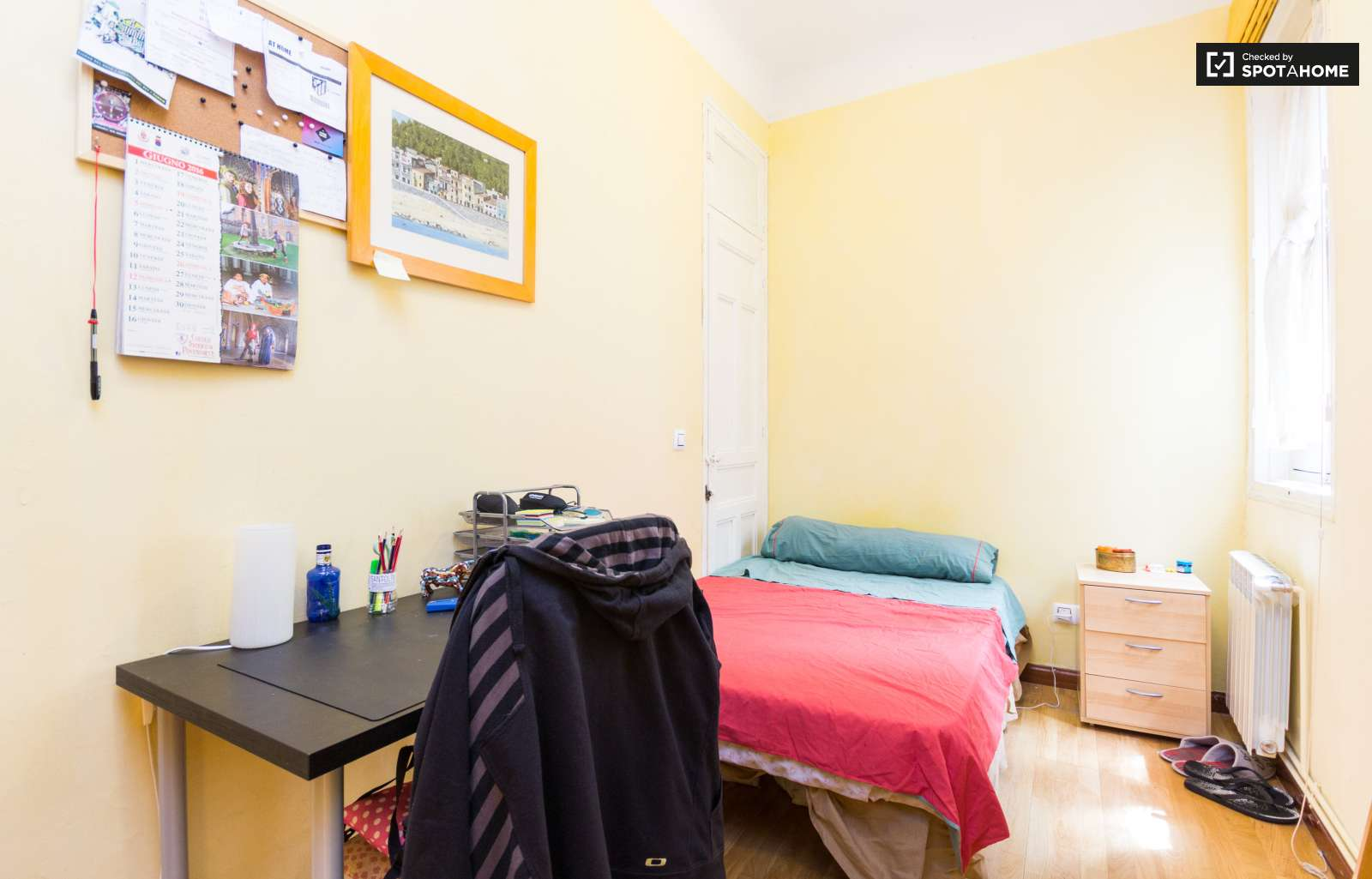 Habitaciones en alquiler en piso de 4 habitaciones centro for Habitaciones en madrid