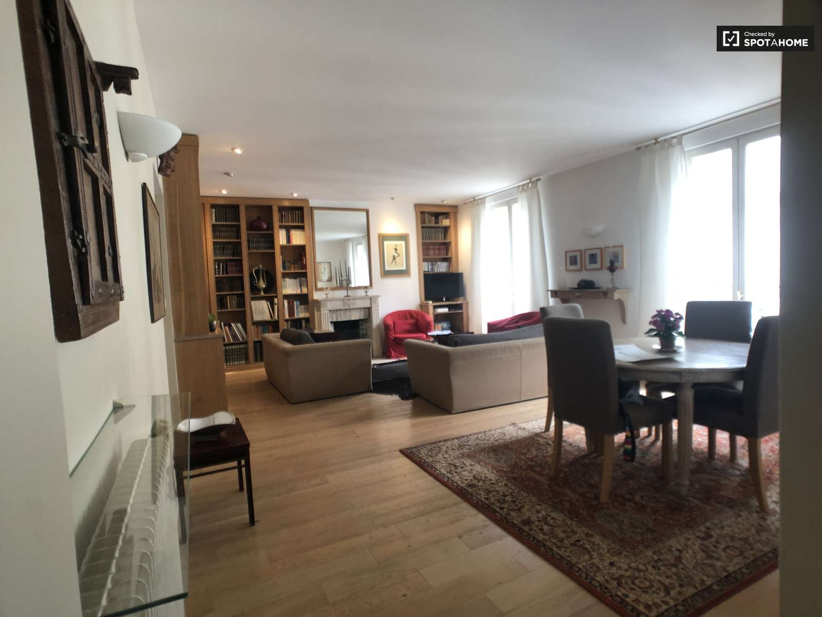 Wondrous Spacious And Sunny 2 Bedroom Apartment For Rent In Paris 18 Beutiful Home Inspiration Xortanetmahrainfo