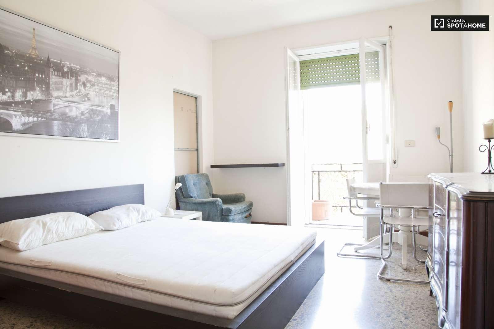Stanze in affitto in un appartamento con 4 camere da letto a trieste roma ref 116838 spotahome - Affitto appartamento bologna 3 camere da letto ...