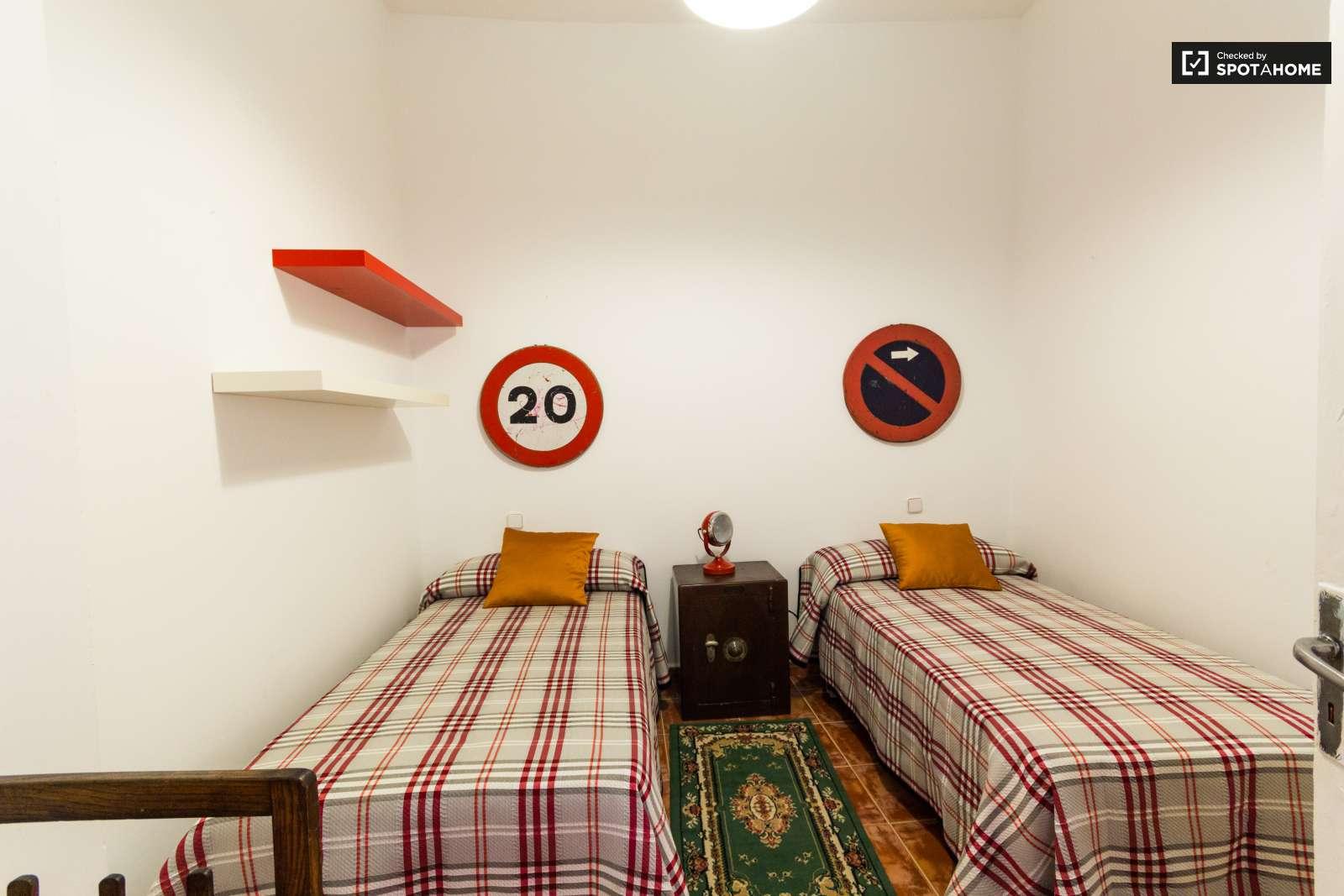 3 bedroom apartment for rent in puerta del sol, madrid   spotahome