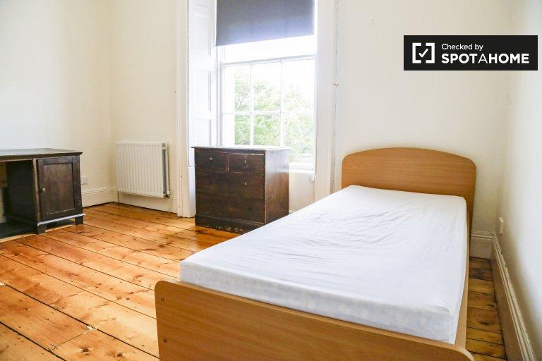 Charmantes Zimmer zu vermieten in Dún Laoghaire, Dublin