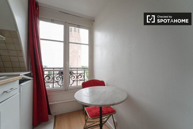 Estúdio acolhedor e luminoso para alugar em Paris