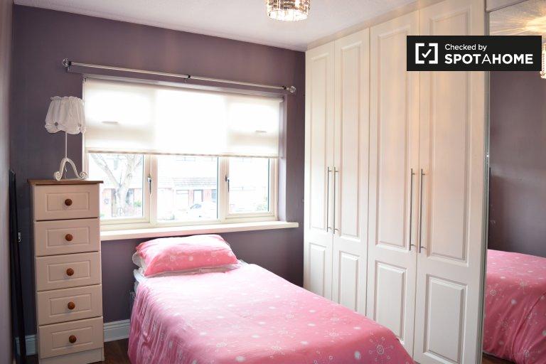 Geschmackvolles Zimmer in einem Haus mit 4 Schlafzimmern in Donaghmede, Dublin