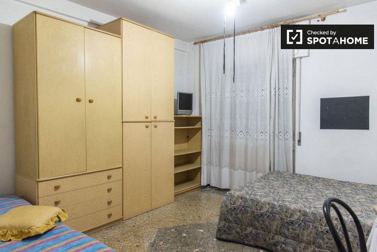 Umeblowany pokój do wynajęcia we wspólnym mieszkaniu w Pigneto, Rzym