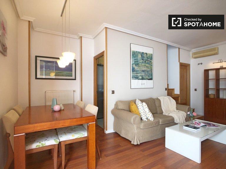 Mieszkanie z 2 sypialniami do wynajęcia w Canillas w Madrycie