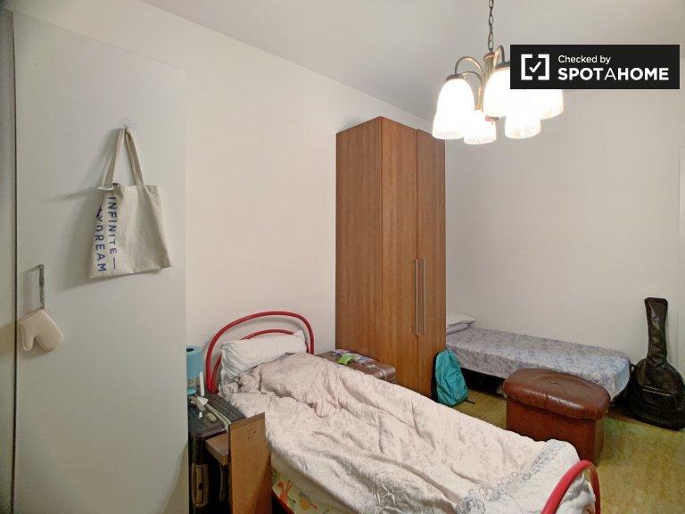 Camas em quarto compartilhado em apartamento de 3 quartos, Navigli, Milão