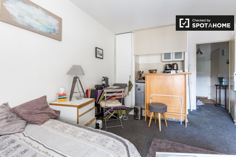 Cosy studio apartment for rent in Billancourt