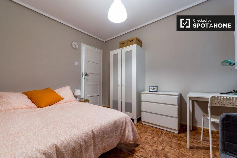 Zimmer in 6-Zimmer-Wohnung in Extramurs, Valencia
