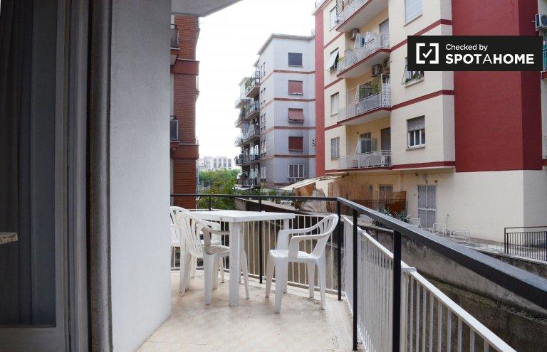 Bright 2-bedroom apartment for rent in Trieste/Nomentano