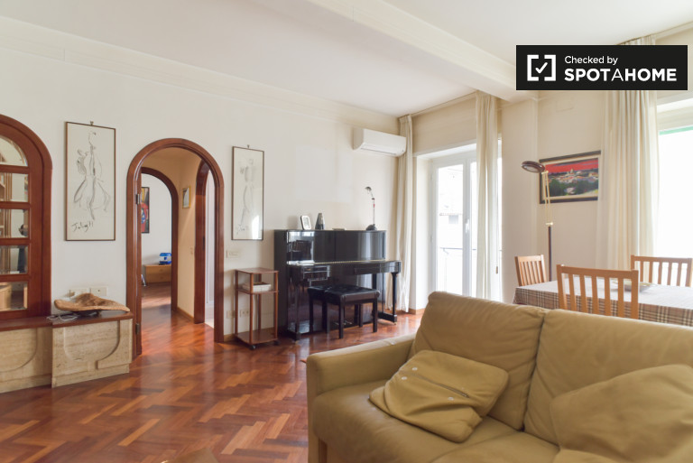 Spacious, 1-bedroom apartment with balcony and AC for rent in Parioli