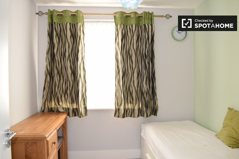 Cosy room to rent in Adamstown, Dublin