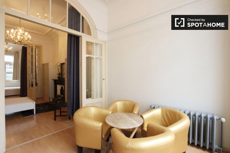 2-pokojowe mieszkanie do wynajęcia w Ixelles, Bruksela