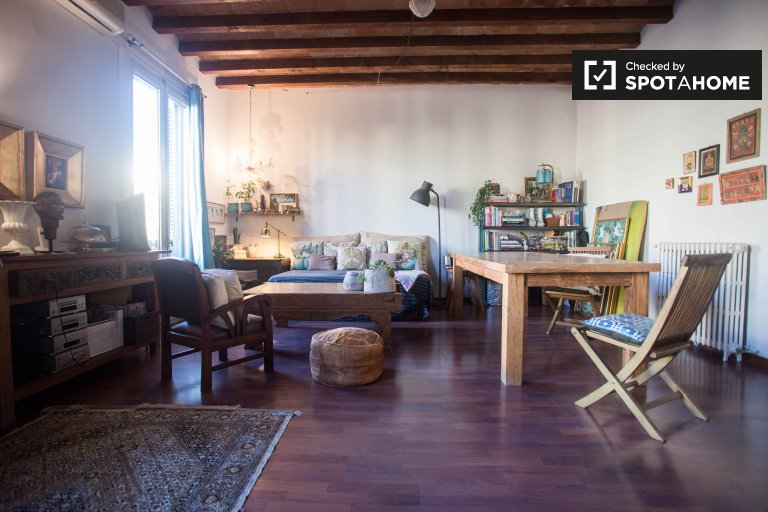 Rustikale 1-Zimmer-Wohnung zu vermieten in El Born, Barcelona