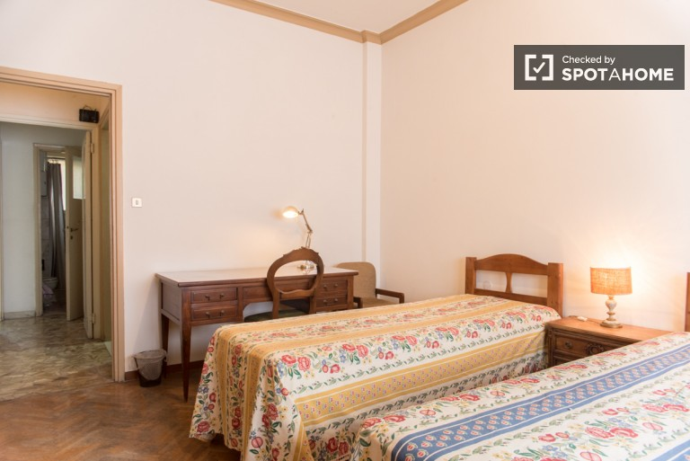 Bedroom 2 with Twin Beds- Price per Person