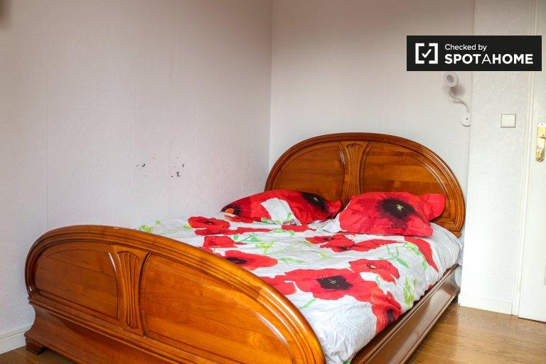 Quarto de casal para alugar, apartamento de 3 quartos, Saint Denis, Paris