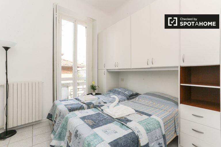 Pokoje do wynajęcia w jasnym apartamencie z 2 sypialniami w Precotto