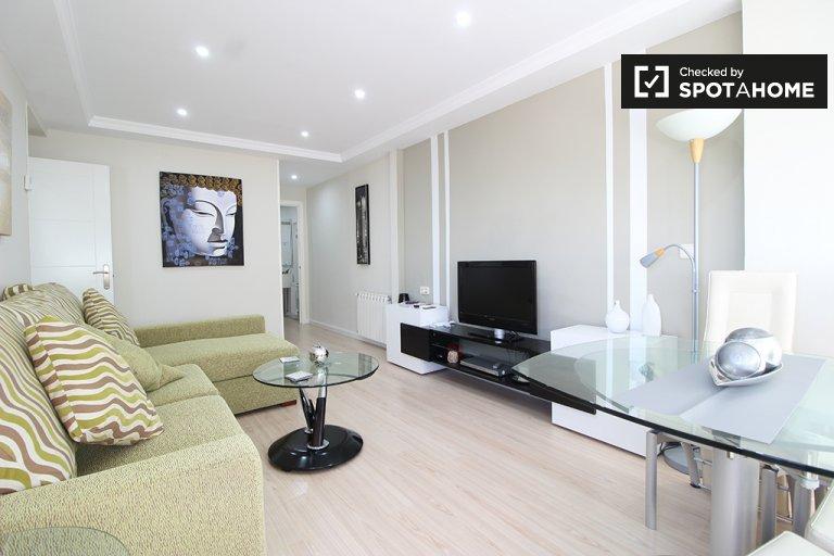 Hortaleza, Madrid'de kiralık aydınlık 3 yatak odalı daire