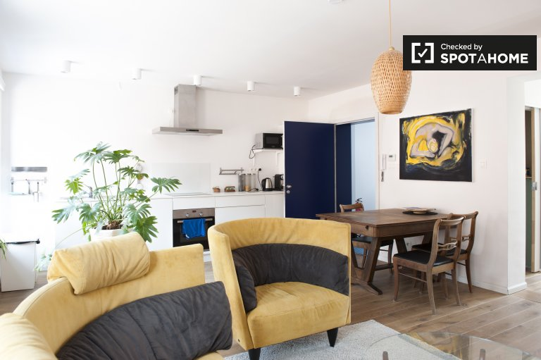 Modern 1-bedroom apartment for rent in Center