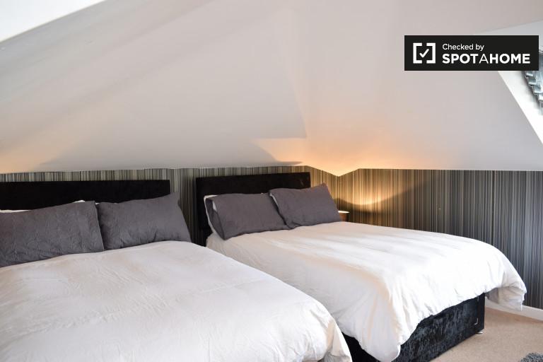 Chambre spacieuse dans un appartement partagé à Chapelizod, Dublin