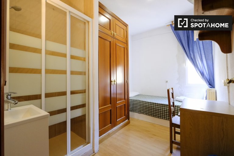 Pokój do wynajęcia w rezydencji studenckiej w Argüelles w Madrycie