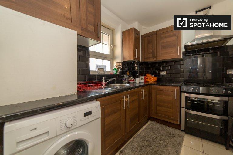 Umeblowane mieszkanie z 3 sypialniami do wynajęcia w Tower Hamlets w Londynie