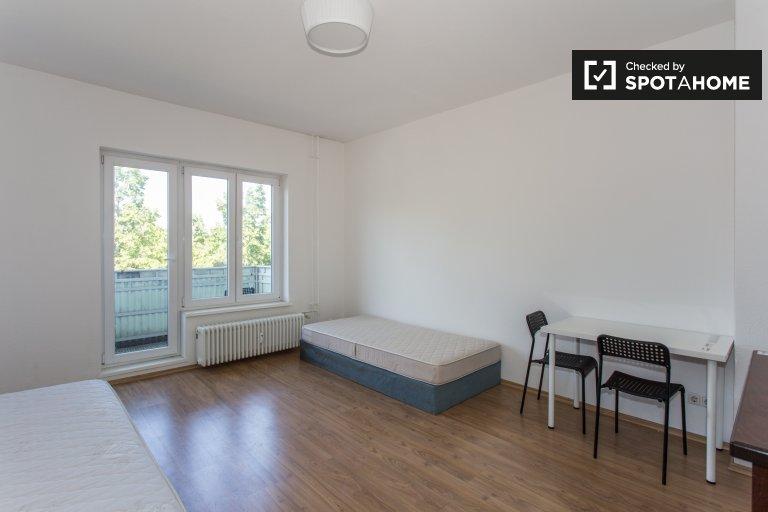 Nice room for rent in Bergmannkiez, Berlin
