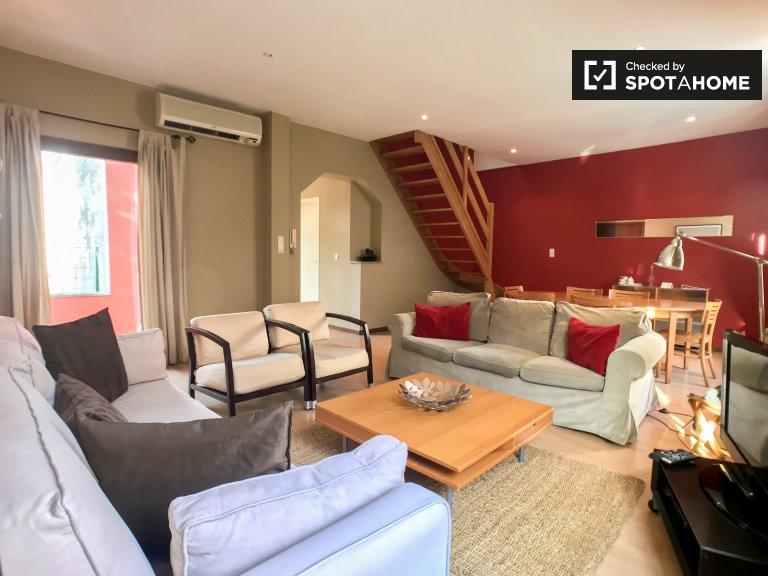 Avrupa Mahallesi'nde kiralık güzel 3 yatak odalı daire