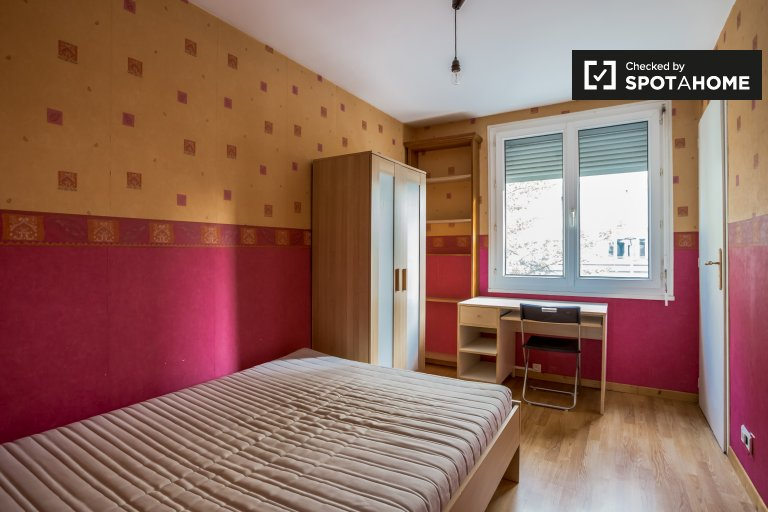 Equipped room in apartment in Arrondissement 7, Lyon