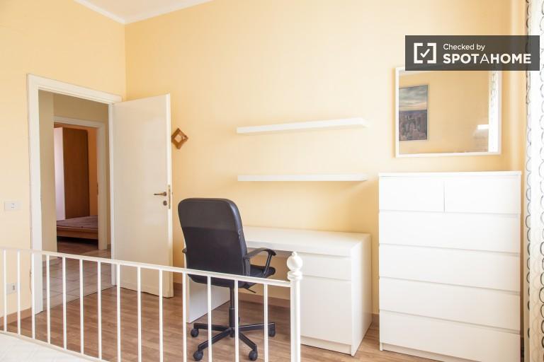 Habitación interior en el apartamento en Monte Sacro, Roma