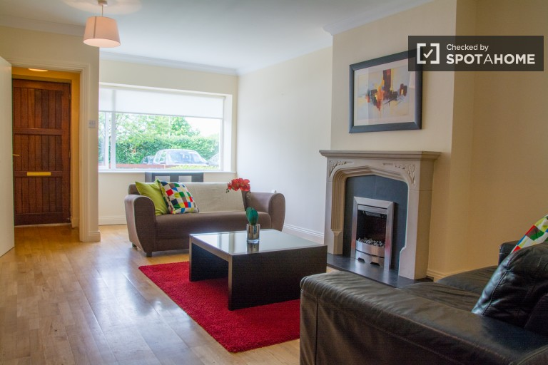 2-bedroom, 2-bathroom apartment to rent in Blanchardstown, near to Tolka Valley Park