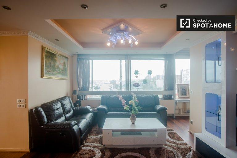 Lussuoso appartamento bilocale in affitto nel quartiere degli affari