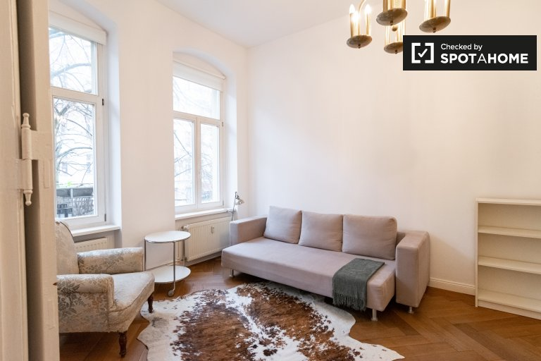 Chic apartment with 3 bedrooms for rent in Prenzlauer Berg