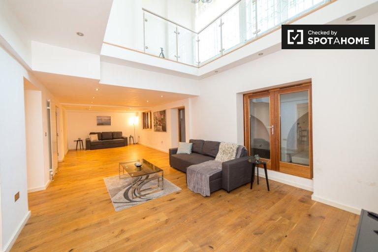 Appartement de 3 chambres à louer à Camden, Londres