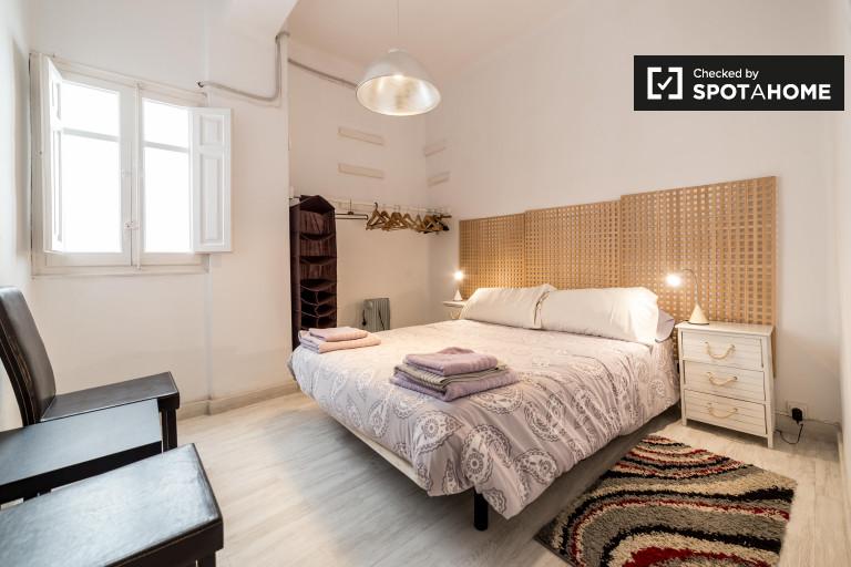 Apartamento de 3 dormitorios con balcón en alquiler - Ruzafa, Valencia