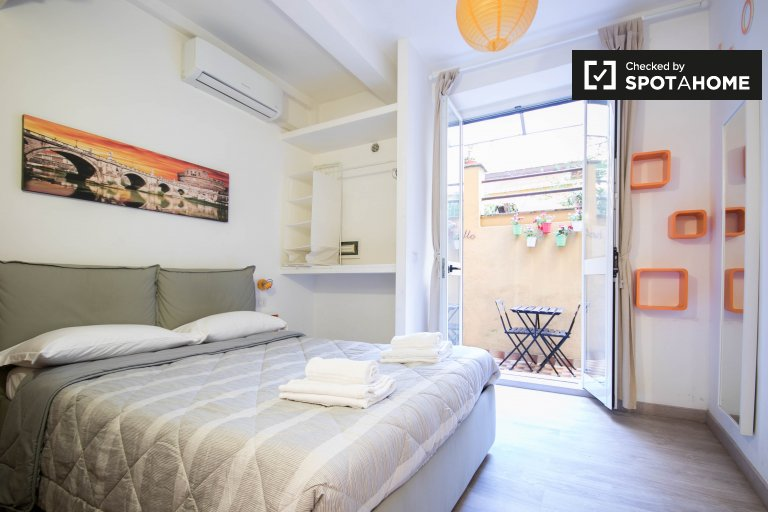 Cozy studio apartment for rent in Centro Storico, Rome