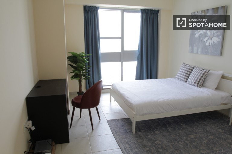 Equipped room in shared apartment in Business Bay, Dubai
