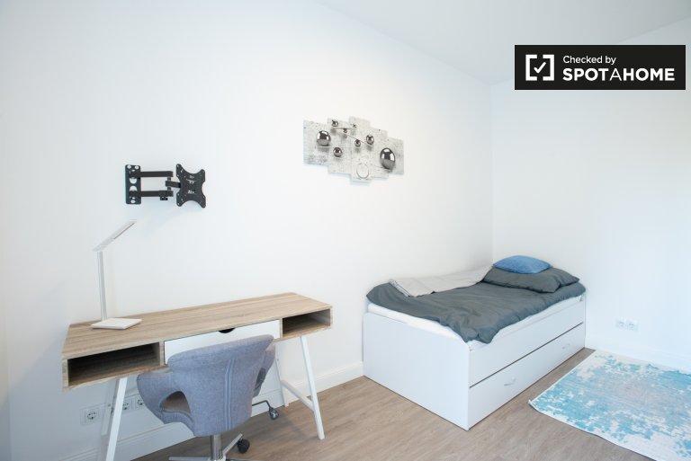 Pokój jednoosobowy do wynajęcia, apartament z 4 sypialniami, Steglitz-Zehlendorf