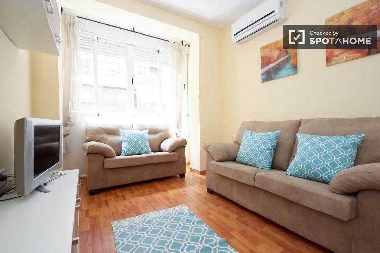 Bright 4-bedroom apartment for rent in Ronda, Granada