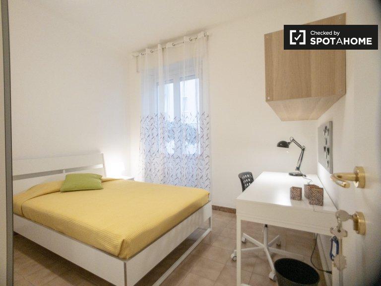 Spaziosa camera in affitto a Greco, Milano