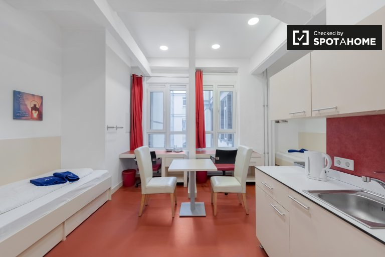 Cozy studio apartment for rent in Kreuzberg, Berlin