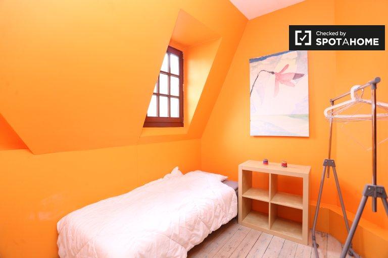 Habitación decorada en un apartamento en Schaerbeek, Bruselas