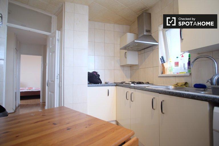 Umeblowane mieszkanie z 3 sypialniami do wynajęcia w Greenwich w Londynie